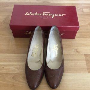 Gorgeous Classic Salvatore Ferragamo Shoe. Size 8B